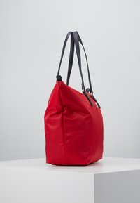 Tommy Hilfiger - POPPY TOTE - Handtas - red - 4