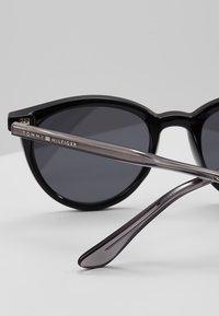 Tommy Hilfiger - Sonnenbrille - black - 2