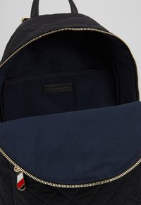 Tommy Hilfiger - POPPY BACKPACK - Ryggsekk - black - 4