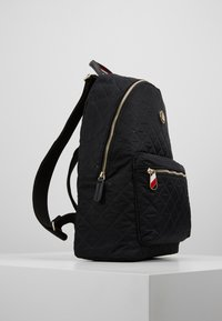 Tommy Hilfiger - POPPY BACKPACK - Ryggsekk - black - 3
