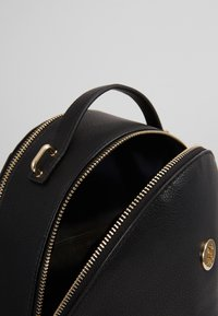 Tommy Hilfiger - CHARMING BACKPACK - Reppu - black - 4