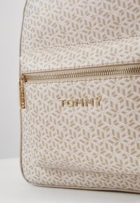 Tommy Hilfiger - ICONIC BACKPACK MONOGRAM - Reppu - beige - 2