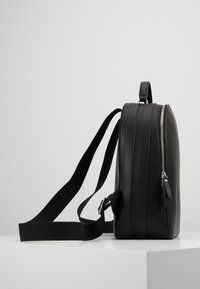 Tommy Hilfiger - STAPLE DOME BACKPACK - Rucksack - black - 4