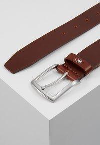 Tommy Hilfiger - NEW DENTON - Cintura - brown - 2