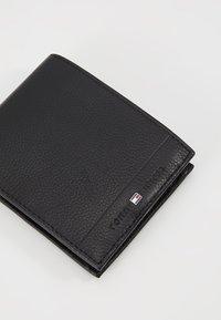 Tommy Hilfiger - CORE FLAP COIN - Wallet - black - 2