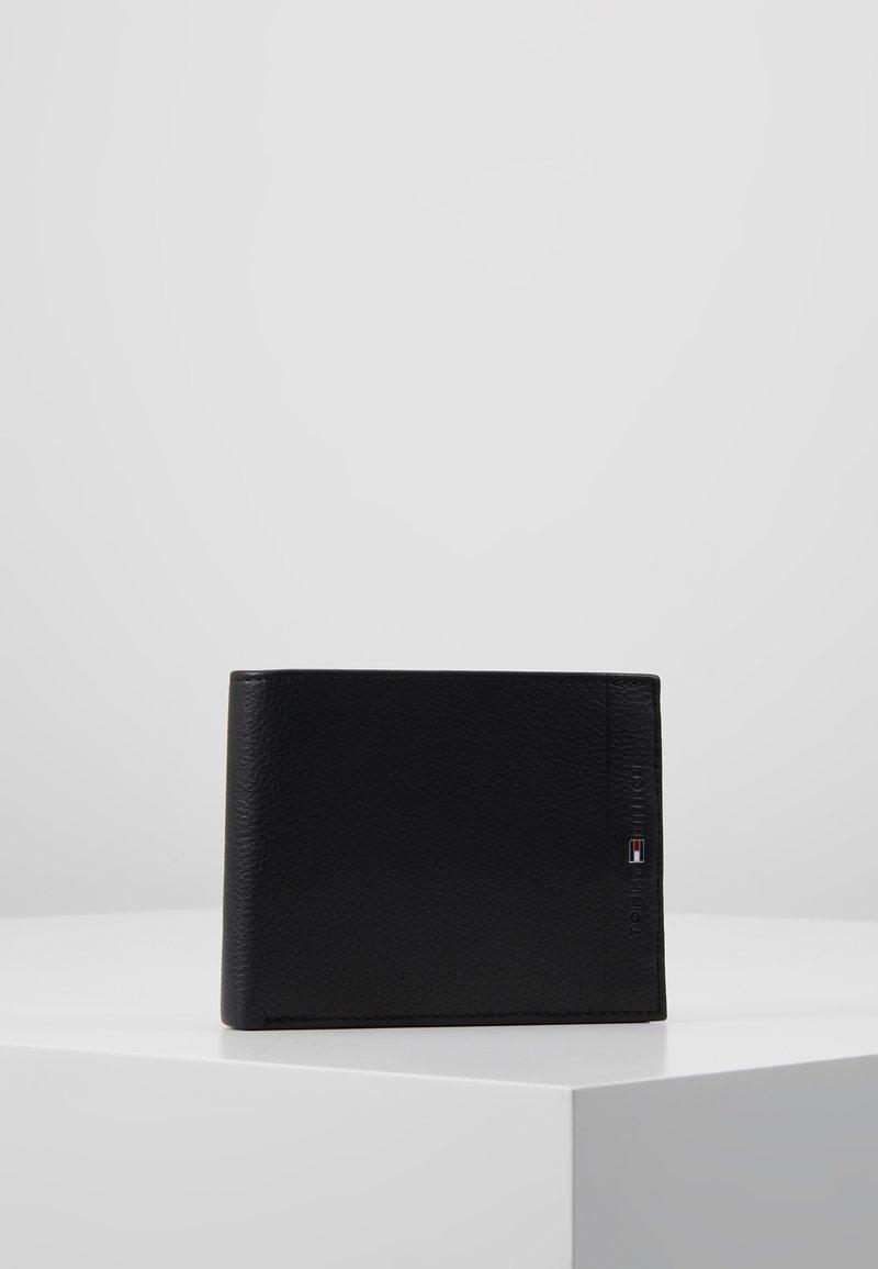 Tommy Hilfiger - CORE FLAP COIN - Wallet - black