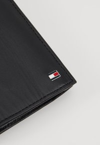 Tommy Hilfiger - ETON WALLET COIN POCKET - Peněženka - black - 2