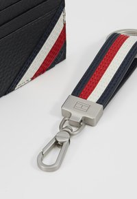 Tommy Hilfiger - DOWNTOWN HOLDER & KEY SET - Keyring - black - 2