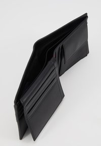 Tommy Hilfiger - DOWNTOWN FLAP AND COIN - Wallet - black - 6