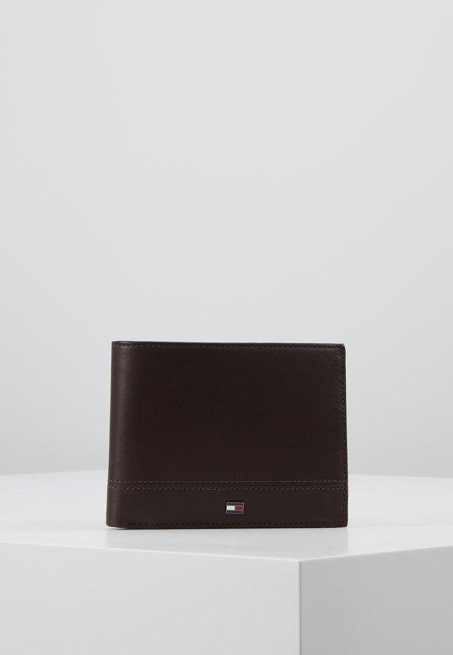 ESSENTIAL EXTRA - Portfel - brown