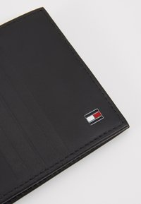 Tommy Hilfiger - MINI WALLET - Peněženka - black - 2
