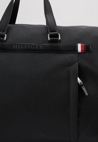 Tommy Hilfiger - COATED DUFFLE - Weekend bag - black - 7