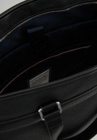 Tommy Hilfiger - COATED TOTE - Tote bag - black - 4