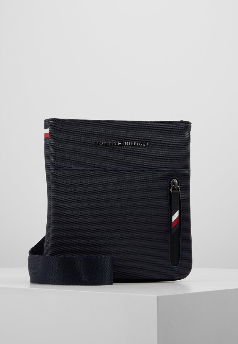 Tommy Hilfiger - ESSENTIAL MINI CROSSOVER - Skuldertasker - blue