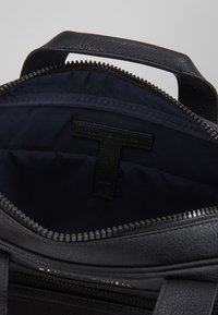 Tommy Hilfiger - ESSENTIAL COMPUTER BAG - Aktovka - black - 4