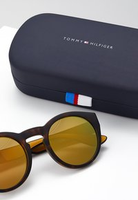 Tommy Hilfiger - Sluneční brýle - gold-coloured - 3