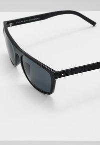 Tommy Hilfiger - Sluneční brýle - blackgrey - 3
