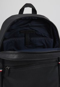 Tommy Hilfiger - ESSENTIAL BACKPACK - Zaino - black - 4
