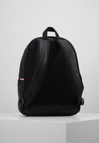 Tommy Hilfiger - ESSENTIAL BACKPACK - Zaino - black - 2