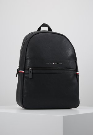 ESSENTIAL BACKPACK - Rygsække - black