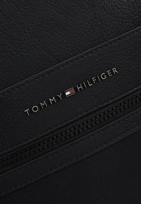 Tommy Hilfiger - ESSENTIAL BACKPACK - Zaino - black - 6