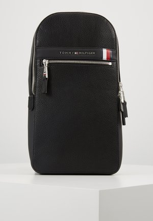 DOWNTOWN SLINGPACK - Reppu - black