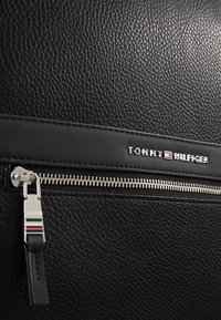 Tommy Hilfiger - DOWNTOWN BACKPACK - Rucksack - black - 5