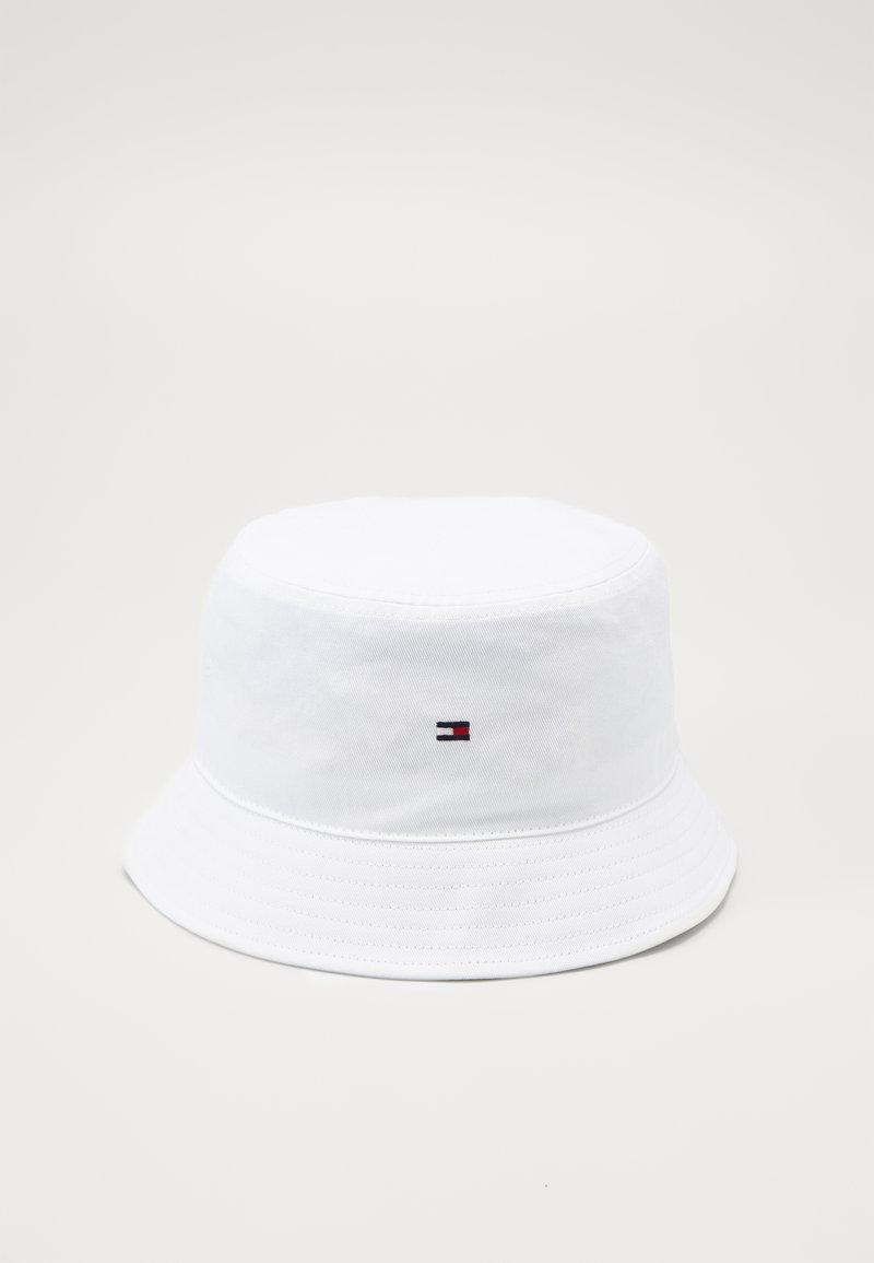 Tommy Hilfiger - FLAG BUCKET HAT - Hoed - white