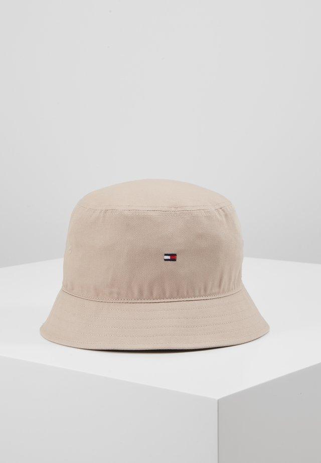 FLAG BUCKET HAT - Hut - beige