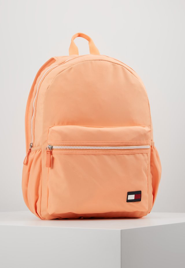 KIDS CORE BACKPACK - Ryggsäck - orange