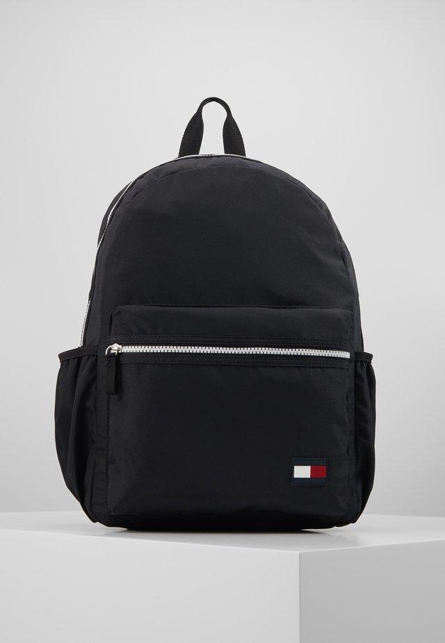KIDS CORE BACKPACK - Tagesrucksack - black