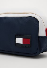 Tommy Hilfiger - CORE PENCIL CASE - Pencil case - blue - 2