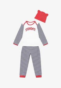 Tommy Hilfiger - BABY STRIPED GIFTPACK SET - Pantalones - blue - 5