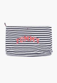 Tommy Hilfiger - BABY STRIPED GIFTPACK SET - Pantalones - blue - 4