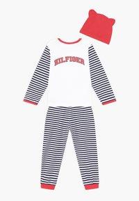 Tommy Hilfiger - BABY STRIPED GIFTPACK SET - Pantalones - blue - 1