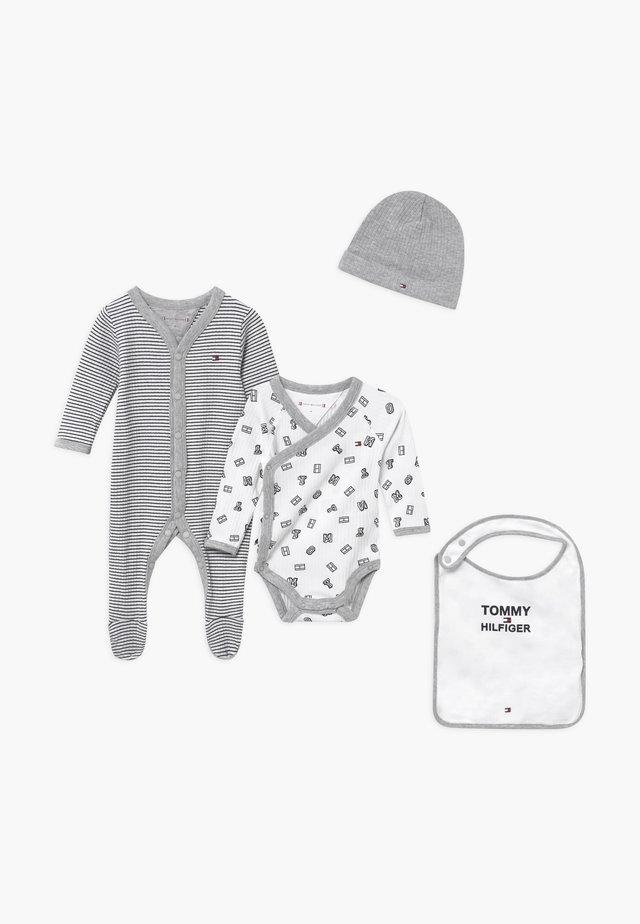 BABY PREPPY GIFTBOX SET - Beanie - blue