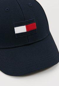Tommy Hilfiger - BIG FLAG - Cap - blue - 2
