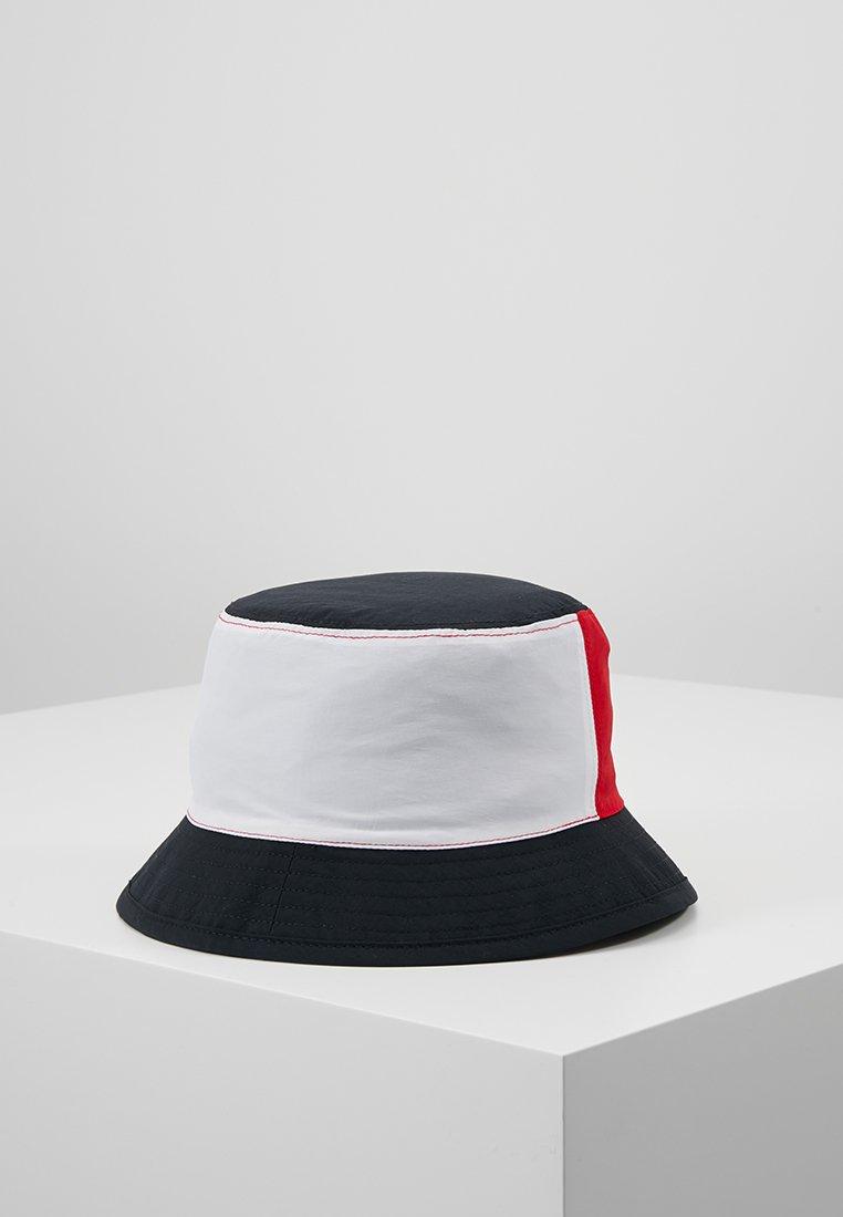 Tommy Hilfiger - REVERSIBLE FLAG BUCKET HAT - Hattu - blue