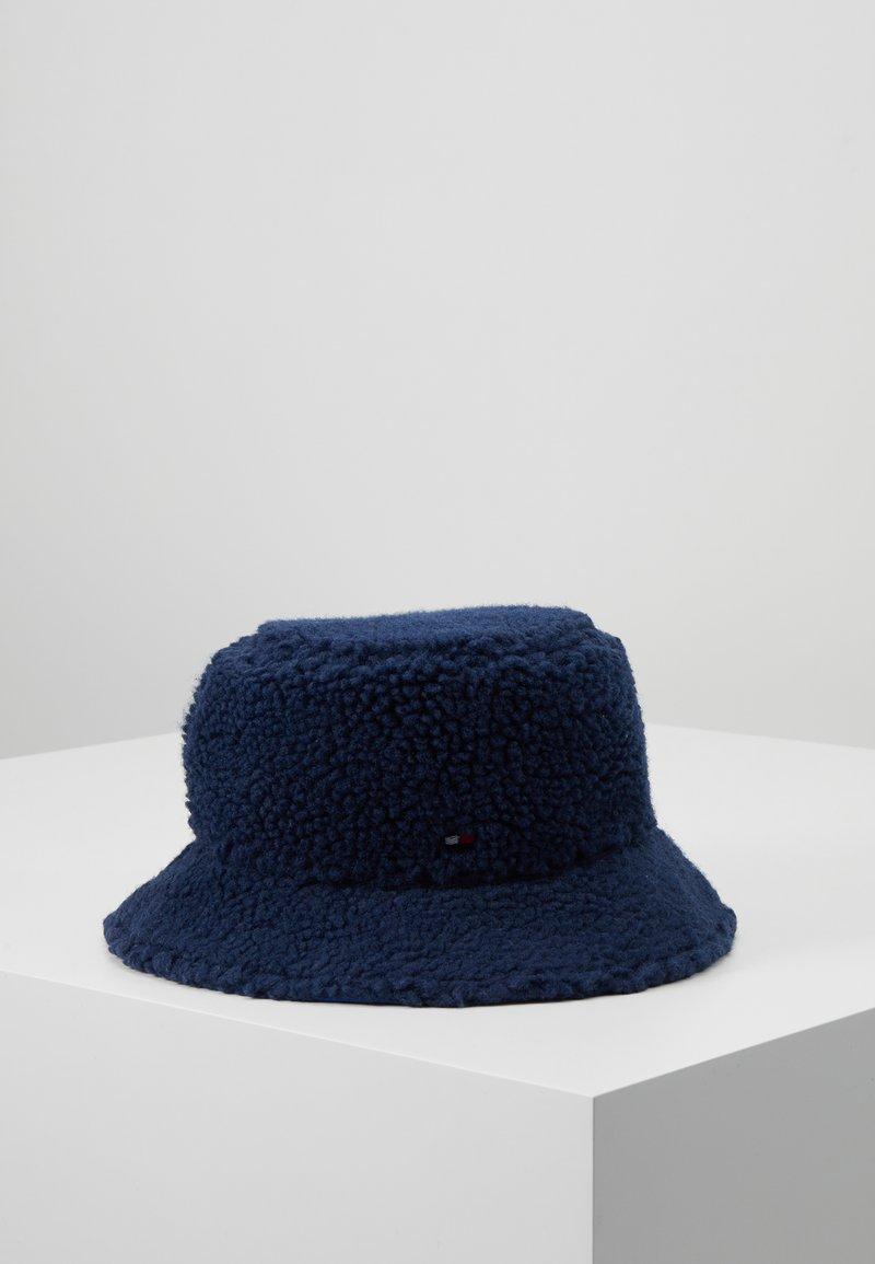 Tommy Hilfiger - FLAG REVERSIBLE BUCKET - Hat - blue
