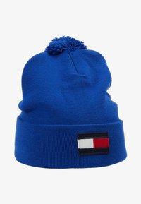 Tommy Hilfiger - BIG FLAG BEANIE POMPOM - Bonnet - blue - 1