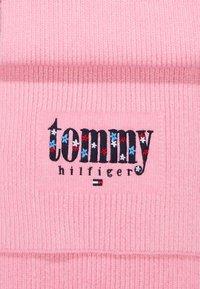 Tommy Hilfiger - FLOWER SCARF - Szal - pink - 1