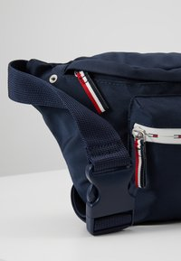 Tommy Jeans - COOL CITY BUMBAG - Bältesväska - blue - 7