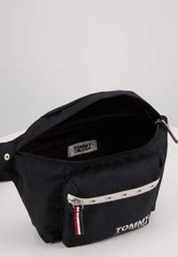 Tommy Jeans - COOL CITY BUMBAG - Riñonera - black - 4
