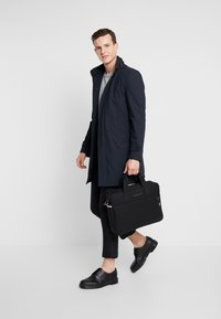 Tommy Hilfiger - ESSENTIAL COMPUTER BAG - Aktovka - black - 1