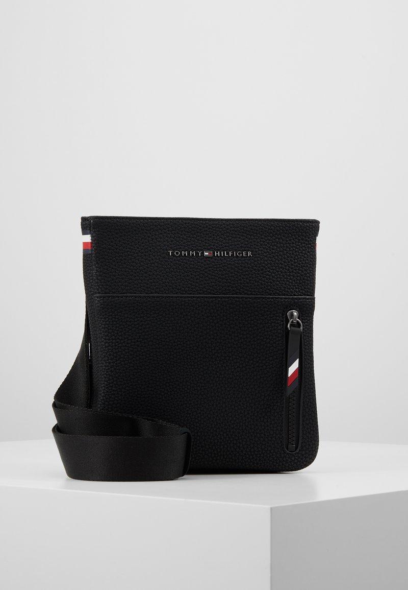 Tommy Hilfiger - ESSENTIAL MINI  - Across body bag - black