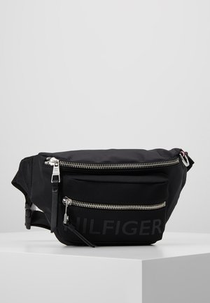 BOLD CROSSBODY - Bältesväska - black