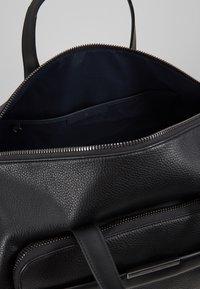 Tommy Hilfiger - DOWNTOWN DUFFLE - Weekend bag - black - 4