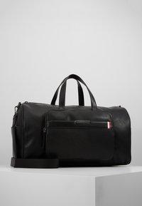 Tommy Hilfiger - DOWNTOWN DUFFLE - Weekend bag - black - 0