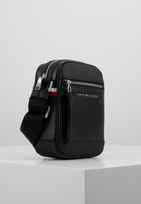 Tommy Hilfiger - MINI REPORTER - Across body bag - black - 3