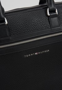 Tommy Hilfiger - DOWNTOWN COMPUTER BAG - Laptop bag - black - 7